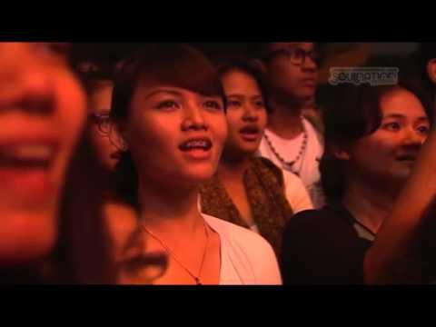 PANDJI - BEBAS Feat.IWA K (Soulnation 2010)