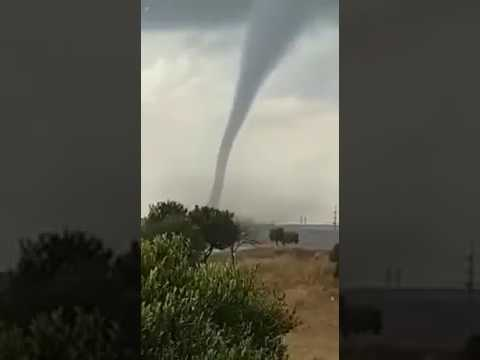 Massive Tornado hits South Africa