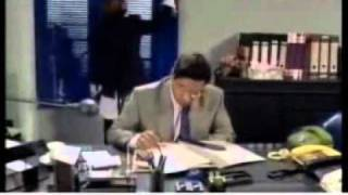 Nadan nadia very funny clip 5 cleaning the office (Babra Sharif)