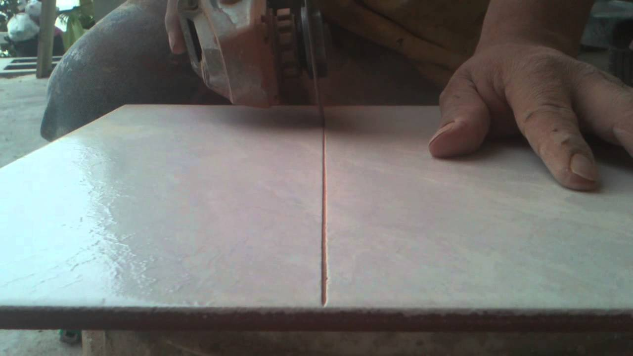 Como cortar azulejo con pulidor sin estillar  YouTube