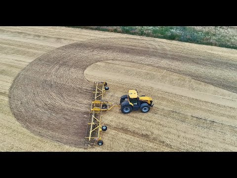Claydon  Straw Harrow 15m JCB 8310