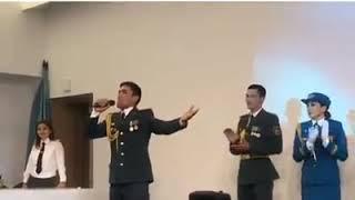 Казахский солдат поет на армянском