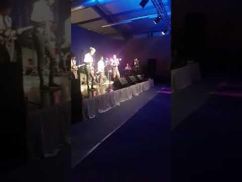 Chantal Karijosentono -Lagu Gelas Gelas Kaca
