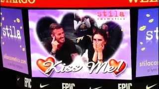 Виктория и Дэвид Бекхэм попали на KissCam.