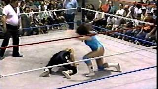 Alexa Starr vs. the Beautiful Brittany Brown-Piledriver Show #1