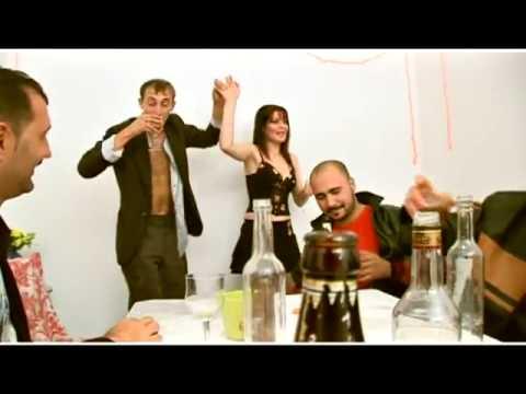 Pentru toti soferii - Junior 2000 - Cheful soferilor - Muzica de Petrecere (Videoclip Original)