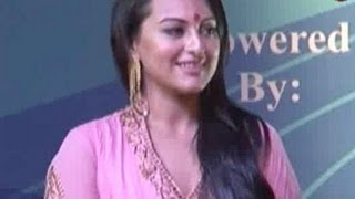 Tigmanshu wants to sign Sonakshi for