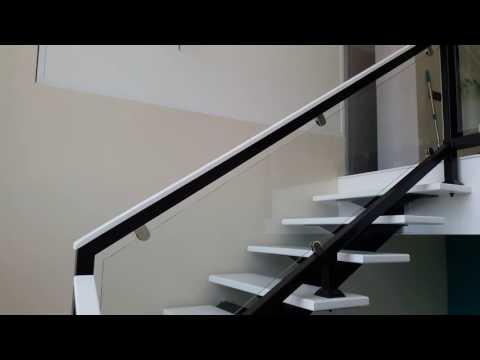видео: Лестница на металлическом косоуре