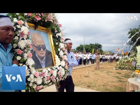 Mourners Pay Final Respects To Cambodia Khmer Rouge Leader