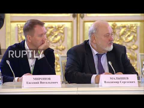 Russia: Putin proposes development of new law on culture