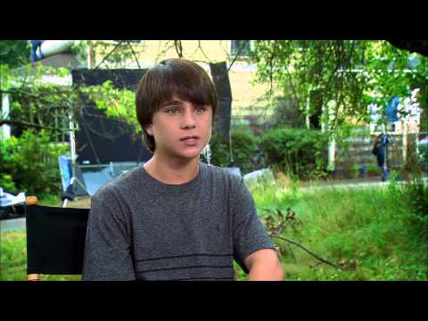 """Labor Day: Gattlin Griffith """"Henry"""" On Set Interview"""