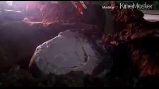 Кокшетау - уничтожение камня символа города