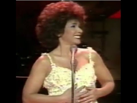 Shirley Bassey - Never Never Never (Grande Grande Grande) (1985 Cardiff Wales Concert)