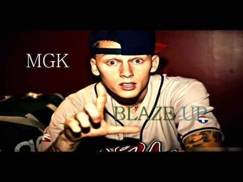 Machine Gun Kelly - Space Blaze 'New' [Aug 2012]