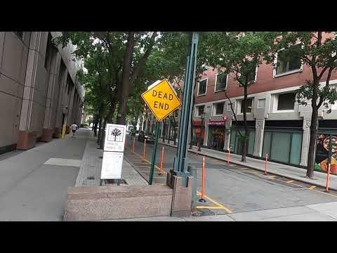 Walking at New York University, Tandon School of Engineering - Downtown Brooklyn Campus ,New York