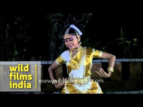 Mohiniyattam - traditional dance of Kerala
