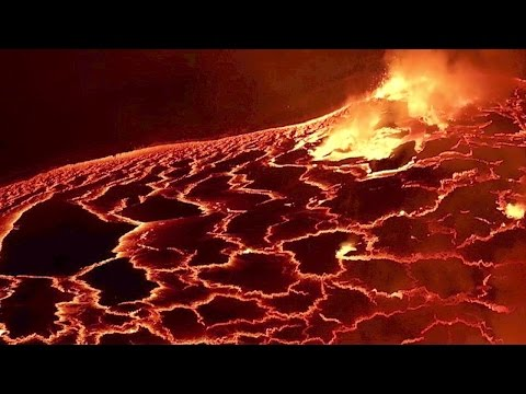 Bubbling lava lake looks like the end of the world