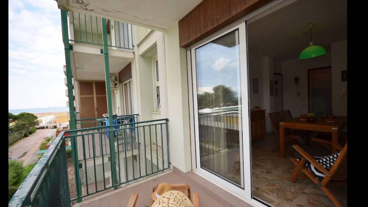 Vendita Appartamenti Bibione Fronte Mare Agenzia Europa: Bibione Condominio Smeralda Appartamento Fronte Mare Con