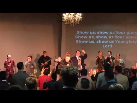 Indiana Bible College – Student Body Chapel 2017 02 14 (Amazing Lead Singer)