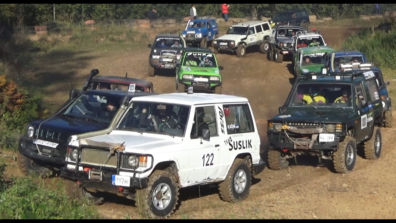 4x4 SUVs in Off-Road race