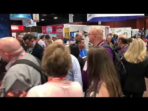 GENE SIMMONS @7-11 CONVENTION MGM GRAND, Las Vegas.