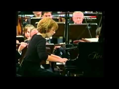 Ingrid Fliter - Chopin Piano Concerto n.2, First Movement, part 1 (year 2000)