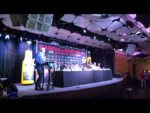 Mikey Garcia vs Robert Easter go at it at presser m