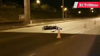 Motociclista perdió la vida tras chocar contra el acoplado de un camión