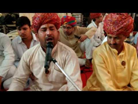VISHAL SINGH KAVIYA  (sikkar)Jai maa karni Sri karni Mata bhakt-gan Kolkata   द्वारा आयोजित भक्ति सं