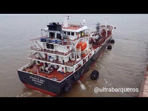 """BUNKERING OPERATIONS - Bunkering Tanker """"STRAITS SKY"""" / Bulk Carrier """"BESIKTAS M"""" #ZonaComún"""