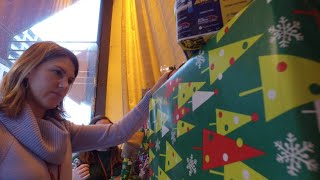 Higbee's Holiday window decorations – Behind the scenes at JACK Casino