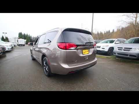 2018 Chrysler Pacifica Touring L Plus | Molten Silver | | Redmond | Seattle |