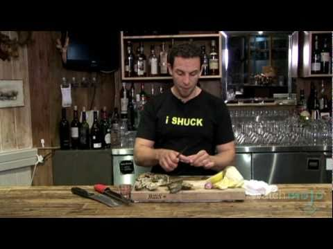 How to Shuck An Oyster: Tips and Tricks