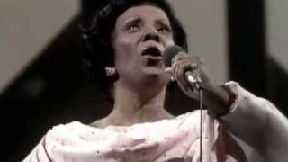Elizeth Cardoso canta em homenagem a Maysa (Fantástico 1979)
