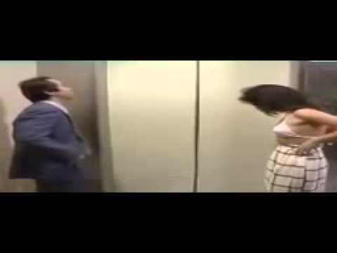 làm chuyện ấy trong thang máy