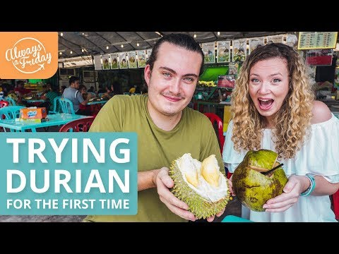 TRYING DURIAN FOR THE FIRST TIME IN MALAYSIA