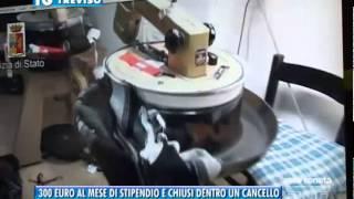 23/04/2015 - 300 EURO AL MESE DI STIPENDIO E CHIUSI DENTRO UN CANCELLO