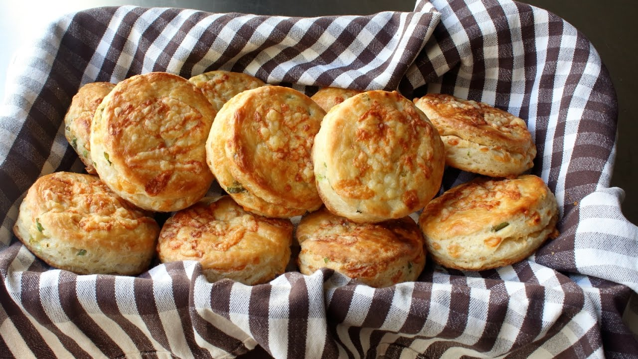 irish-cheddar-spring-onion-biscuits-savory-cheddar-green-onion-biscuit-recipe