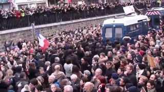 La police ovationnée ! Manifestation Charlie Paris 11 janvier 2015