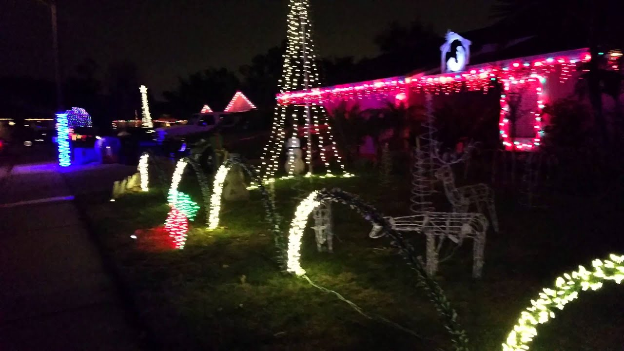 Chino, California - Christmas lights, Spur Court 2015 - YouTube
