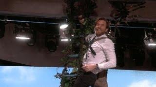 Ewan McGregor Climbs a Beanstalk!