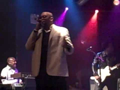Dice Raw Live With the Roots