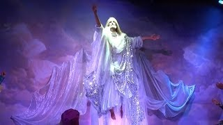 The Holy Land Experience - Classic scenes with fine clothes