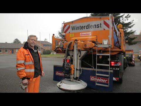 Winterdienst nimmt Fahrt auf: So funktioniert ein Streufahrzeug