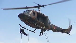 陸上自衛隊のレンジャー養成訓練 ヘリコプターからの懸垂下降など公開