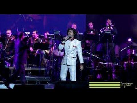 Sonu Nigam Sings 'Saathiya' Live In Mumbai :)