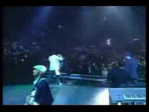 Eminem - Lose Yourself - Live - [Lyrics]
