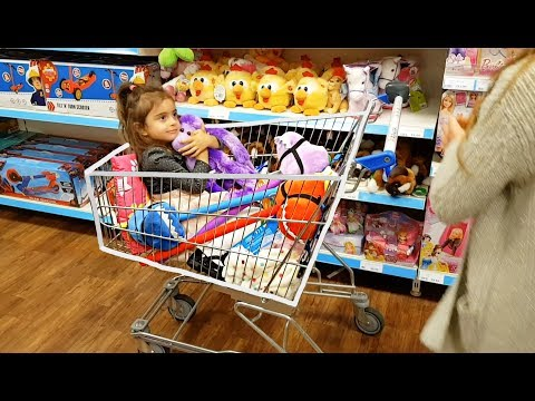 🌸Having Fun at the Store and Buying Toys