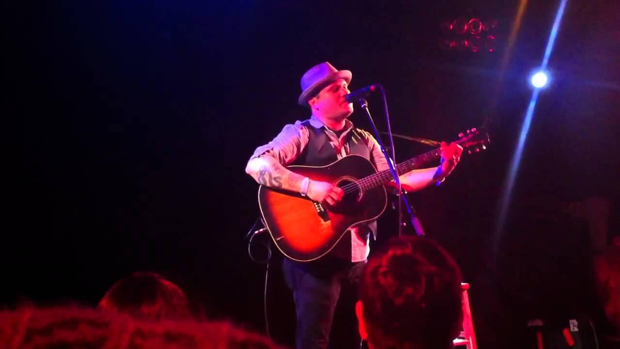 Matt Pryor - Walking on a Wire Live (Acoustic) HD - YouTube