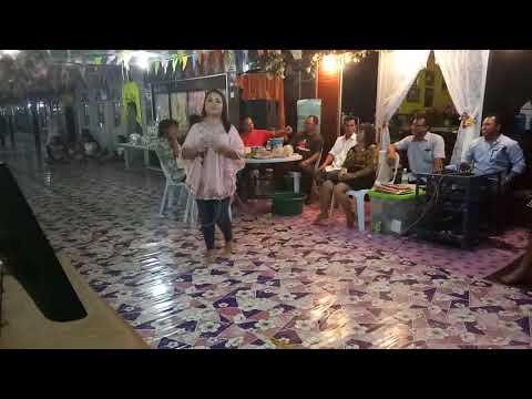 Di Rantai Pengerindu (Linda) cover by Suzy